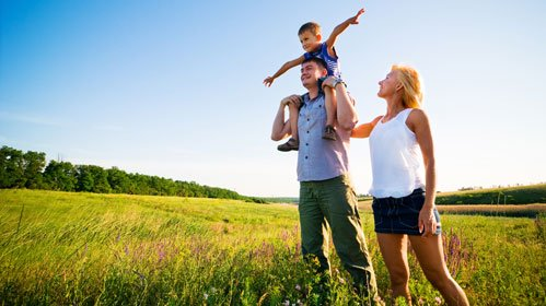happy-family-in-nature1